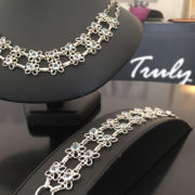 BLUEBELL-(2)-halsband-Truly-Me