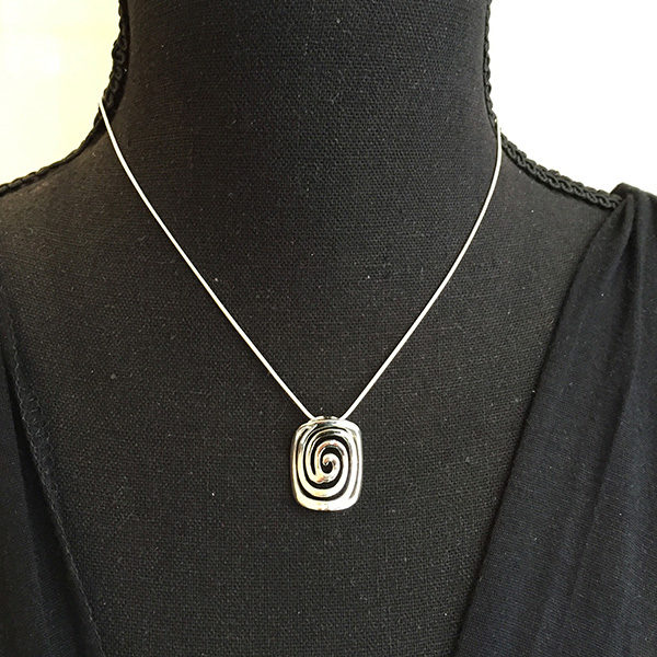 CIRCLE OF LIFE short silver necklace (Truly Me)