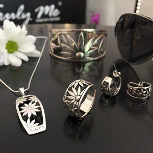 FLOWER POWER silversmycken av Truly Me Jewelry Design