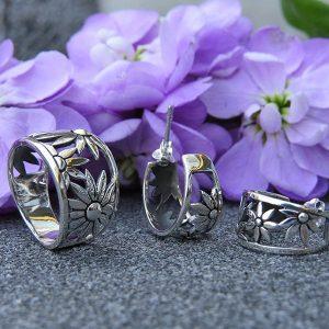 FLOWER POWER silver earrings by Truly Me Jewelry Design