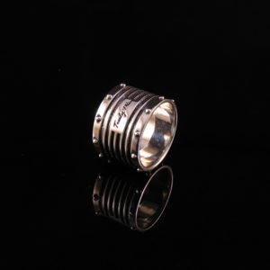 GRID silver ring with tough and beautiful design (Truly Me)
