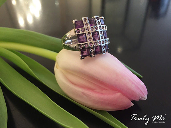 RIBBON silver ring with purple amethyst