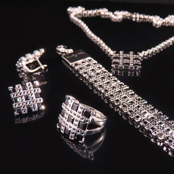RIBBON silversmycken i svart Truly Me