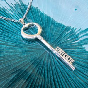 THE KEY long silver necklace - the