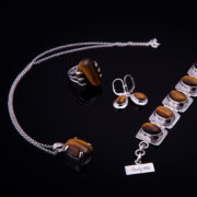TIGER-halsband-(2)-Truly-Me