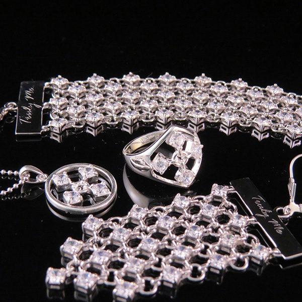 TOUCH vit silversmycken från Truly Me