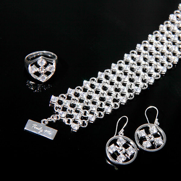 TOUCH stylish silver jewelry set with white cz stones