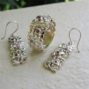 DAISY Silver Earrings With Hearts and Flowers (Truly Me Jewelry Design)