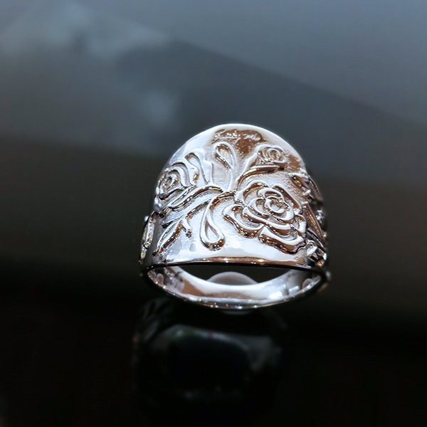 THE ROSE ring med rosranka Truly Me
