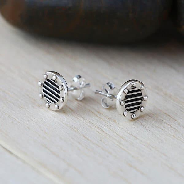 GRID små silverörhängen (Truly Me)