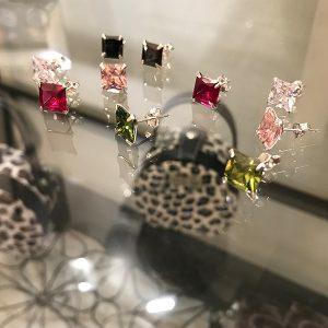 Truly Me studs silverörhängen småörhängen med färg