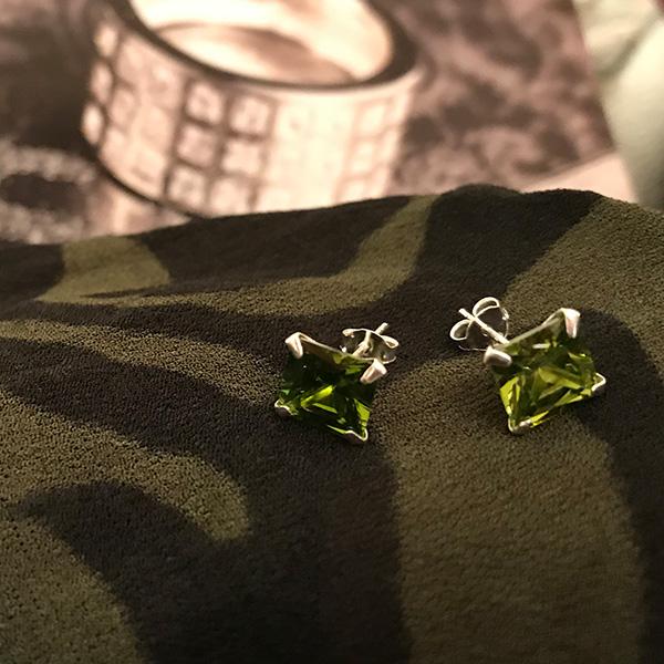 gröna örhängen studs Truly Me